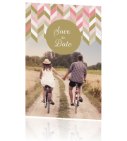 Save the date kaart chevron patroon peach en gold