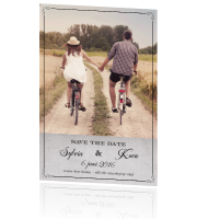 Vintage save the date met beton en typografie