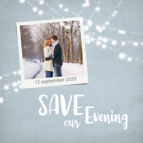 Moderne save the date kaart met lampjesslinger